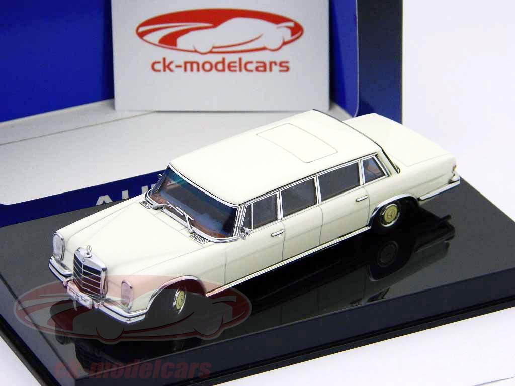 Mercedes-Benz-Typ-600-LWB-W100-Pullman-weis-white-1-43-AutoArt